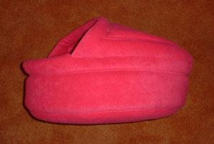 Soepele fleecemand met dakje! Gemaakt van niet-pillende mooie kwaliteit fleece, wasbaar op 30/40 graden Celsius en eventueel te drogen in de droogtrommel!  Prijs afgebeelde mand Euro 52,50