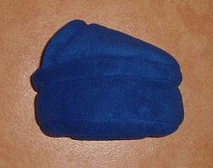 Soepele fleecemand met dakje! Gemaakt van niet-pillende mooie kwaliteit fleece, wasbaar op 30/40 graden Celsius en eventueel te drogen in de droogtrommel!  Prijs afgebeelde mand Euro 32,50
